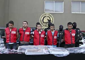 Five members from Los Zetas are presented by authorities after their arrest for their alleged involvement in the Casino Royale attack. Credit: www.prensa-latina.cu